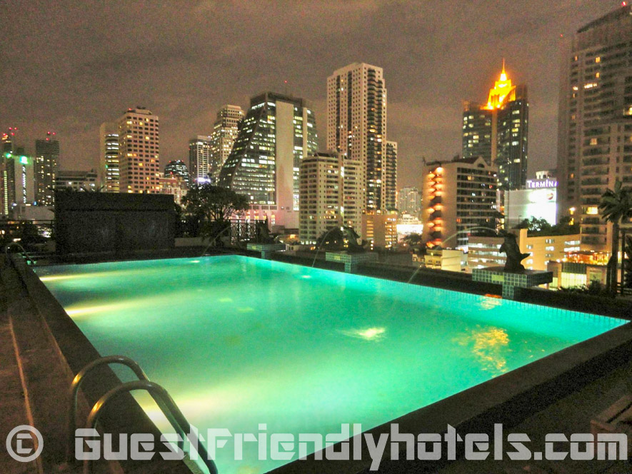 Admiral Premier Bangkok pool offer awesome views over bangkok
