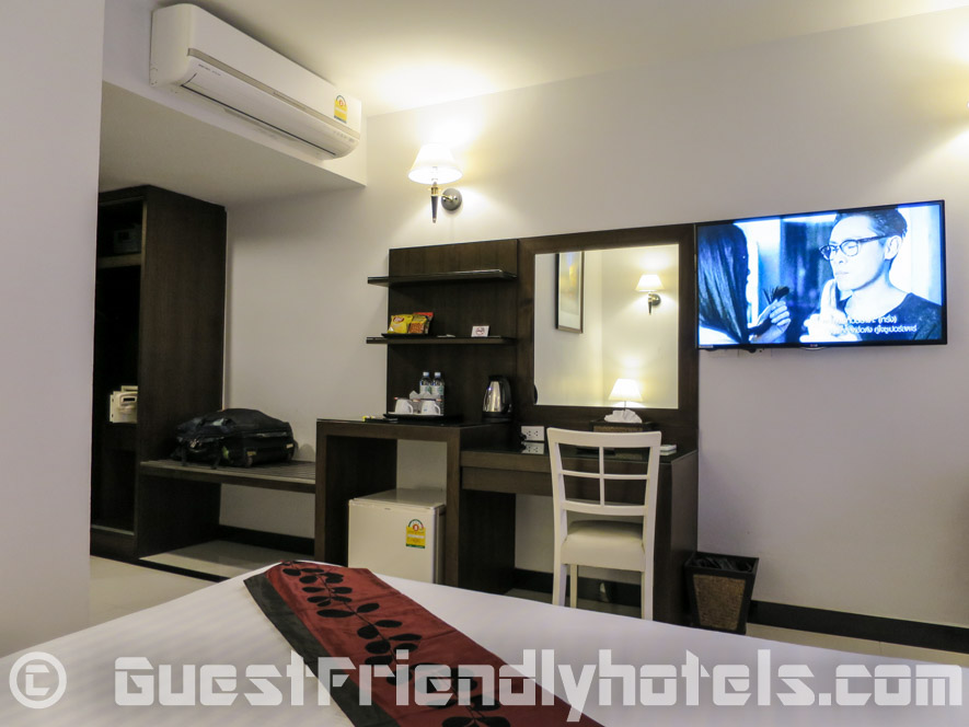 Blue Sky is an all new hotel on Soi 54 with great room amenities for the price of admission