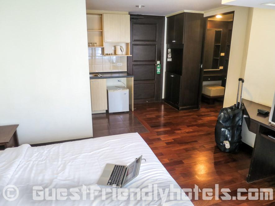 Deluxe Room furnishings inside SM Grande Residence Bangkok