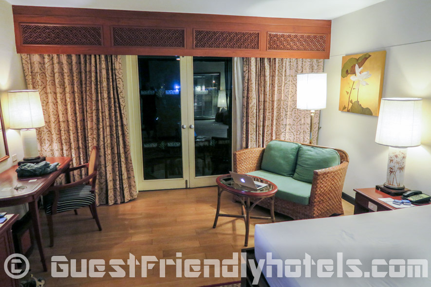 Executive room amenities have a small couch and coffee table while the tropical deluxe have a lounge chair in the Siam Bayshore