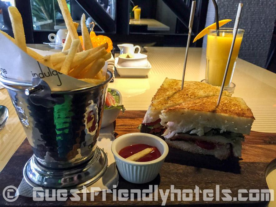 S Sukhumvit Suites Hotel indulge restaurant