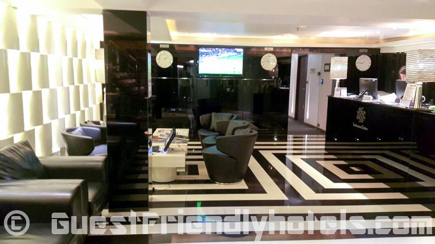 S Sukhumvit Suites Hotel lobby at entrance