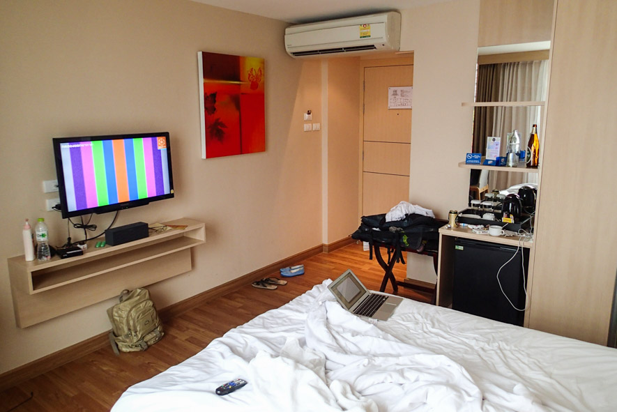 Superior room amenities are very decent for the budget price in Petals Inn Nana