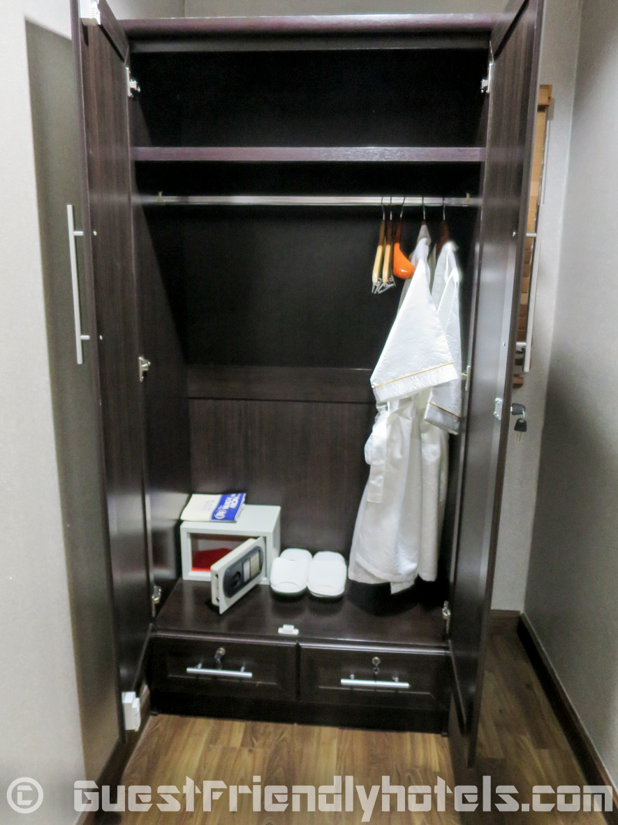 Wadrobe for your clothes and a small safe are found in the rooms at the Beach Front Resort Pattaya