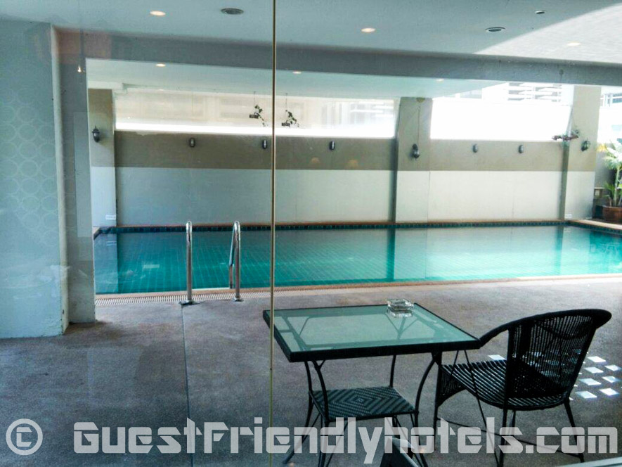 boss-suites-swimming-pool