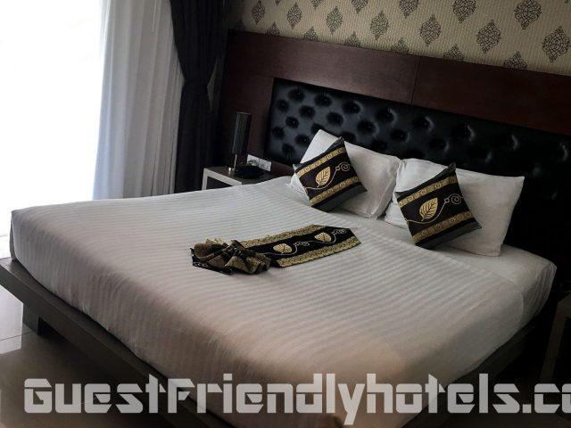 Hemingways Silk Hotel